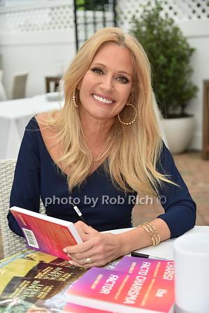 Leesa Rowland Booksigning