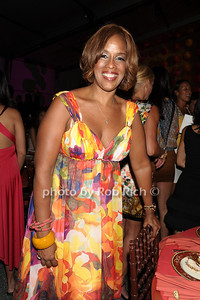 Gayle Kind attends the Art for Life benefit at the home of Russell Simmons (July 30, 2011)