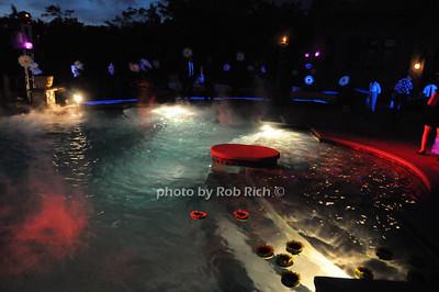 atmosphere at Castlerock photo by Rob Rich © 2009 robwayne1@aol.com 516-676-3939