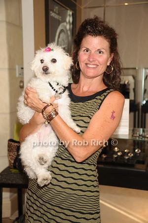Patirica Hurley, Lucy photo  by Rob Rich © 2011 robwayne1@aol.com 516-676-3939