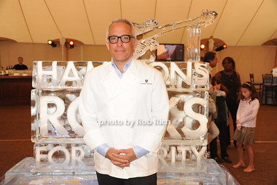 Geoffrey Zakarian attends  the Hamptons Rocks for Charity concert at East Hampton Studio (September 1, 2011)