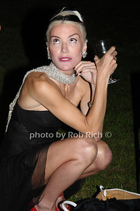 August 15- Bridgehampton:(l-r)  Daphne Guiness  attends the  Ellen's Run  benefit  at the home of Steven Klein  in  Bridgehampton on August 1,2009.  photo by Rob Rich /SocietyAllure.com