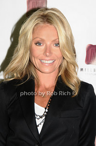 Kelly Ripa photo by Rob Rich © 2009 robwayne1@aol.com 516-676-3939