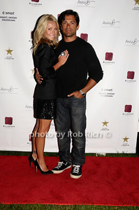 Kelly Ripa, Mark Consuelos photo by Rob Rich © 2009 robwayne1@aol.com 516-676-3939