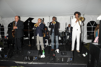 Irvin Mayfield & the New Orleans Jazz Playhouse Revue photo by Rob Rich/SocietyAllure.com © 2011 robwayne1@aol.com 516-676-3939