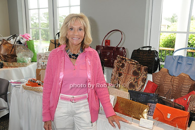 Linda Axelrod photo by Rob Rich © 2011 robwayne1@aol.com 516-676-3939