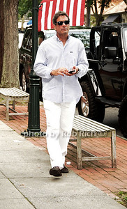 Mario Singer takes a stroll  in Southampton on 6-18-11. photo  by Rob Rich © 2011 robwayne1@aol.com 516-676-3939
