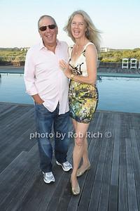Leslie Alexander, Liz Brown  photo by Rob Rich/SocietyAllure.com © 2011 robwayne1@aol.com 516-676-3939