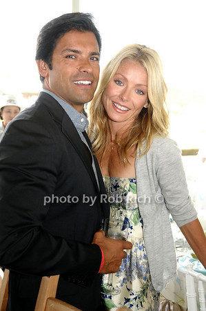 Bridgehampton- August 30:(l-r) Mark Consuelos and Kelly Ripa attend the Hampton  Classic Horseshow in Bridgehampton on August 30, 2009. photo by Rob Rich/SocietyAllure.com