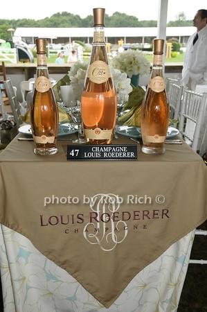 Louis Roeder table photo by Rob Rich © 2009 robwayne1@aol.com 516-676-3939