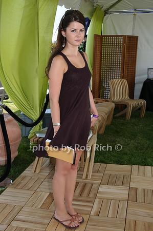 Ryann Logan photo by Rob Rich © 2009 robwayne1@aol.com 516-676-3939