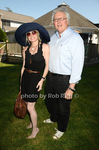 Southampton- July 12:(l-r)  Robin Cofer, Dominic D'Alevia attend the Poolside Lawn party at the Southampton Inn on Sunday, July 12, 2009.    (photo by Rob Rich/SocietyAllure.com)