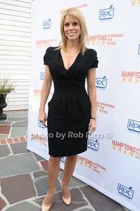 Cheryl Hines photo by Rob Rich © 2009 516-676-3939 robwayne1@aol.com
