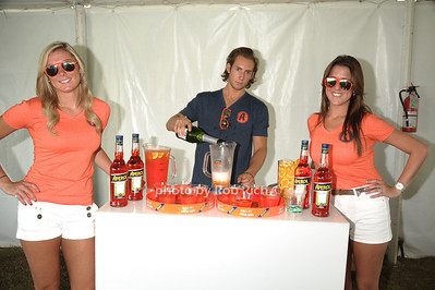 Aperol photo by Rob Rich/SocietyAllure.com © 2011 robwayne1@aol.com 516-676-3939