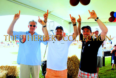 Barry Klarberg (Monarch Wealth), Kenny Dichter (Net Jets) and Jon Brod give the High 11 sign!  Go to www.ActionAmerica.com for more info!