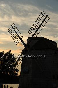 Windmill in Sag Harbor photo by Rob Rich/SocietyAllure.com © 2013 robwayne1@aol.com 516-676-3939