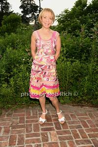 Janet O'Brian photo by Rob Rich/SocietyAllure.com © 2013 robwayne1@aol.com 516-676-3939