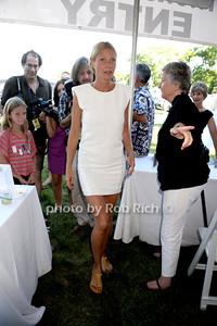 Gwyneth Paltrow and daughter Apple photo by Rob Rich/SocietyAllure.com © 2013 robwayne1@aol.com 516-676-3939