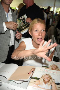 Gwyneth Paltrow photo by Rob Rich/SocietyAllure.com © 2013 robwayne1@aol.com 516-676-3939