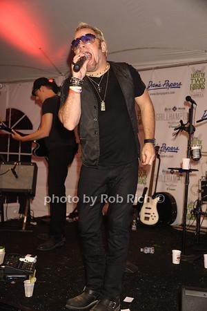 Paul Mahos of New Life Crisis<br /> photo by Rob Rich/SocietyAllure.com © 2013 robwayne1@aol.com 516-676-3939