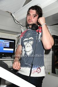 DJ photo by Rob Rich/SocietyAllure.com © 2013 robwayne1@aol.com 516-676-3939