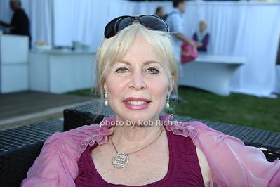 Liz Derringer photo by Rob Rich/SocietyAllure.com © 2013 robwayne1@aol.com 516-676-3939