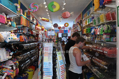 Dylan's Candy Store in East Hampton photo by Rob Rich/SocietyAllure.com © 2013 robwayne1@aol.com 516-676-3939