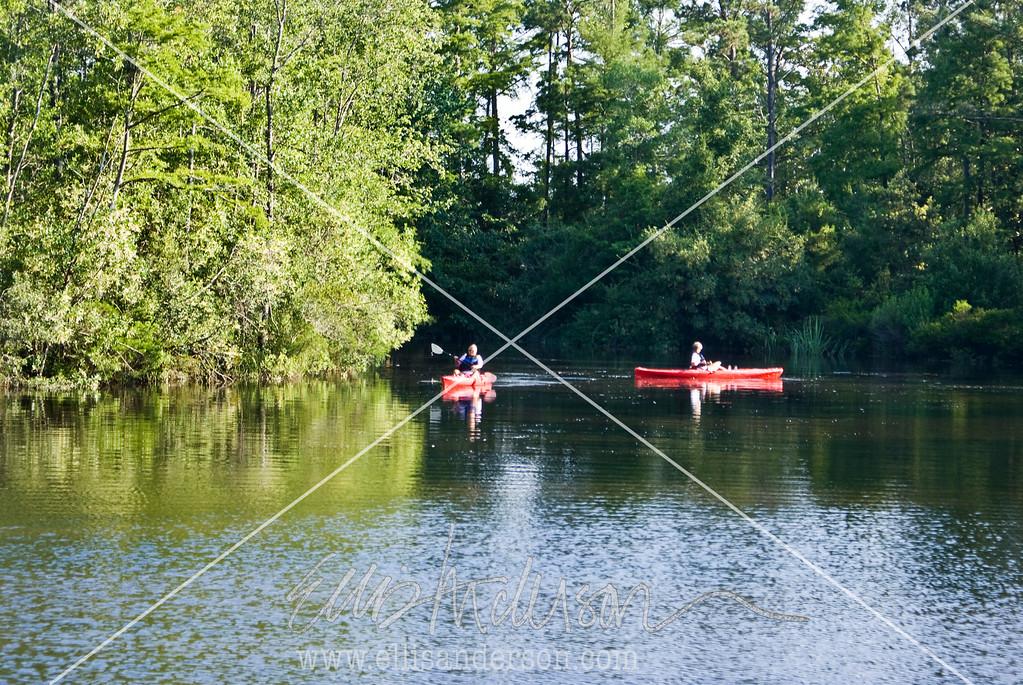 INTRO kayaks red 1772