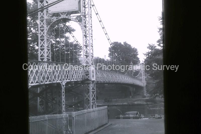 Queens Park Bridge: Queens Park