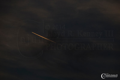 Contrail over Lookout Mountain