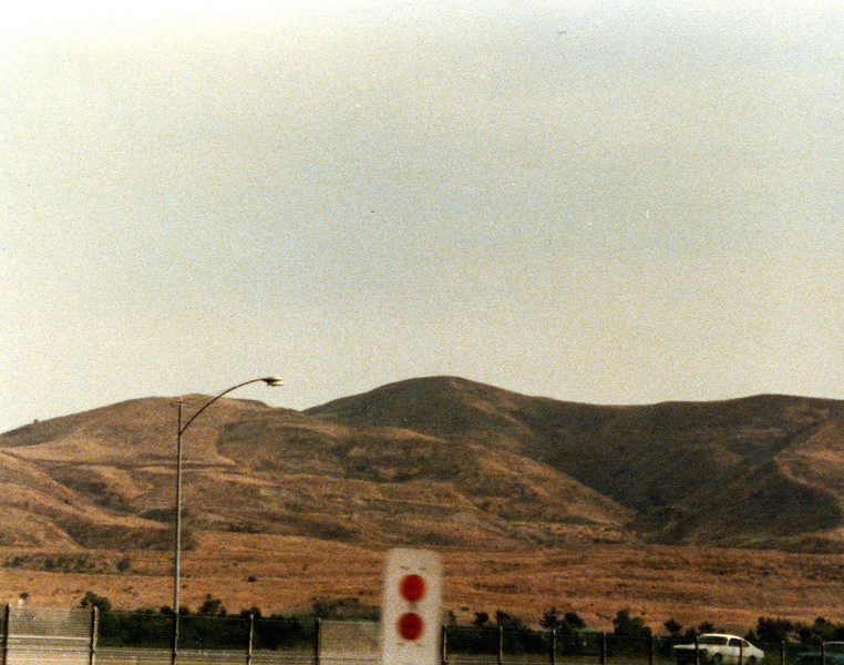 This was the scene along the way to Edward's Launch at Lake Elsinore in California.  I think the launch site is somewhere up there...