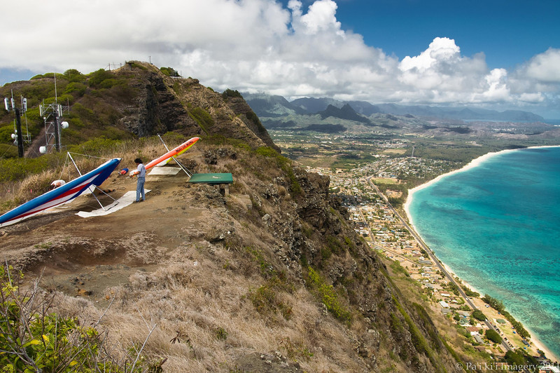 Hang Gliders and Paragliders over Makapuu-1
