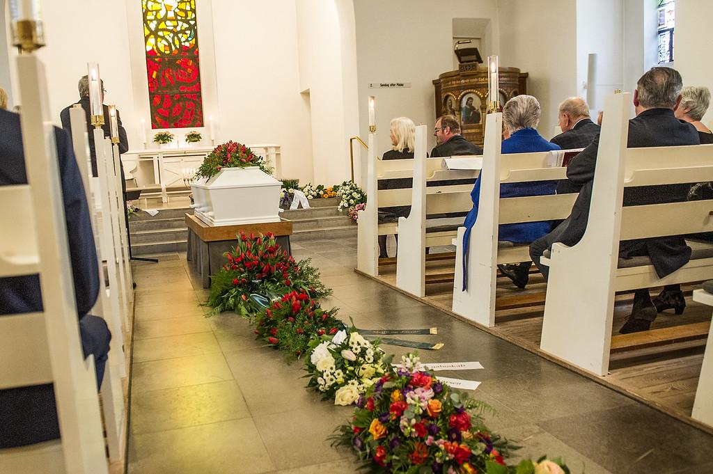 Hanne Thejlades bisættelse fra Humlebæk Kirke