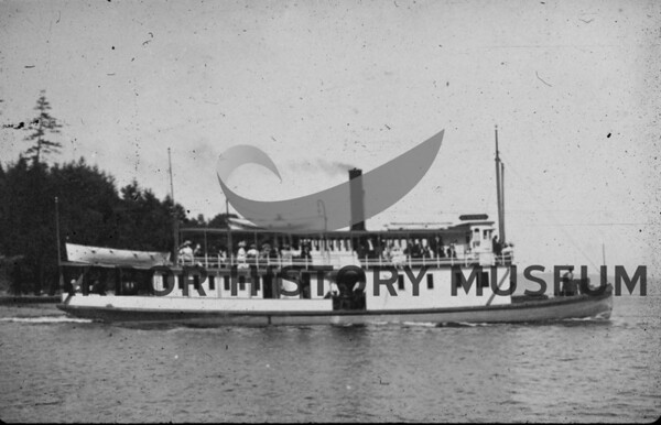 "The ""Crest"" going out of Gig Harbor bay.  Source:<br />  Dorothy Wilkinson."