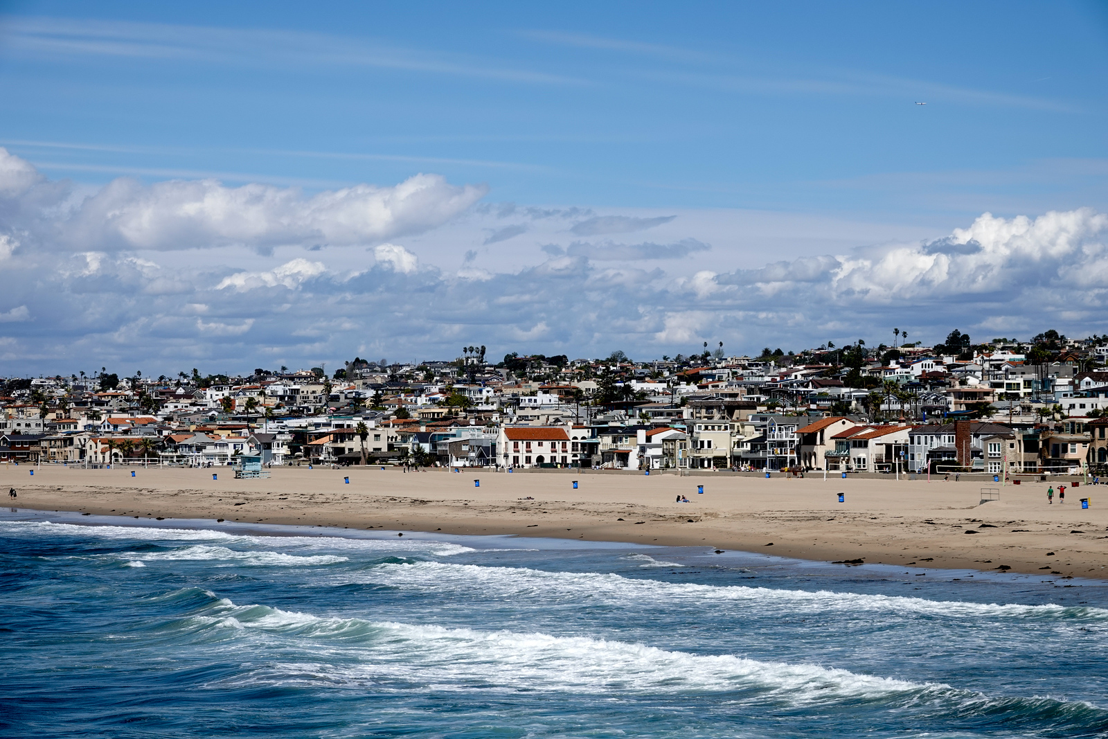 A view of the Hermosa Beach coastline from the Hermoa Pier