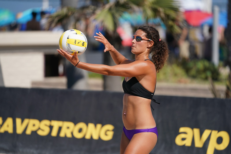 Volleyball player during the summer AVP in Hermosa Beach