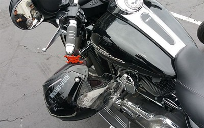 Item 1005-C on a 2014 Street Glide with HD Grips.