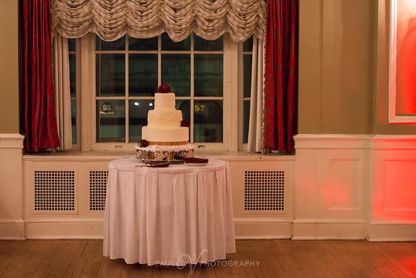Wedding Cake at the Yorktowne Hotel