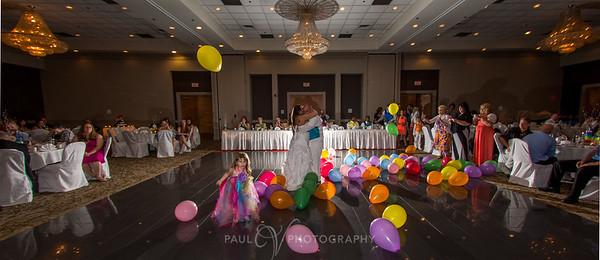 Holiday Inn Grantville Wedding Photography, First dance
