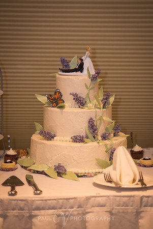 Wedding Cake at the West Shore Country Club