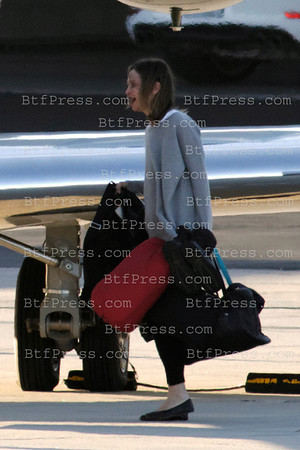 Exclusive___ Harrison Ford,Calista,Lian and guest left Los Angeles to celebrate Thanksgiving in Harrison'ranch in Jakson Hole,Wyoming.