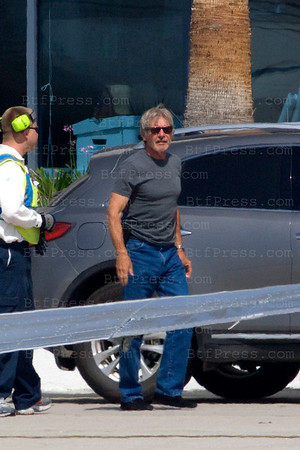 Harrison Ford pilots his Cessna Citation Twin-jet to Santa Fe. When he take off an other plane was close to him.