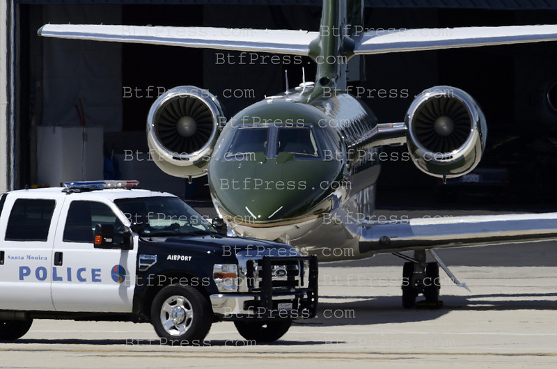 Exclusive__ Harrison Ford take off to New Orleans from Santa Monica with his privet jet.