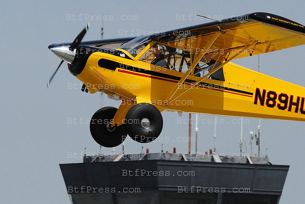 Exclusive___ Harrison Ford takes off  from Santa Monica airport his Aviat A-1C 20, he look like Indiana Jones in his plane.