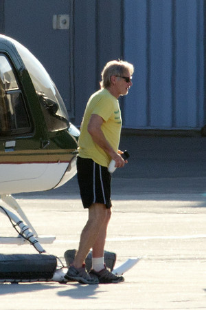 Harrison Ford is free of his plaster cast