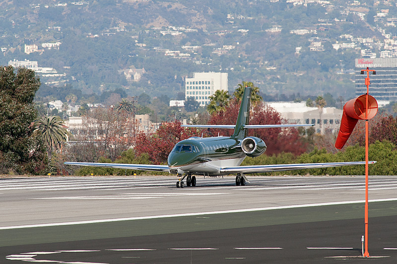 Harrison Ford take off from Santa Monica