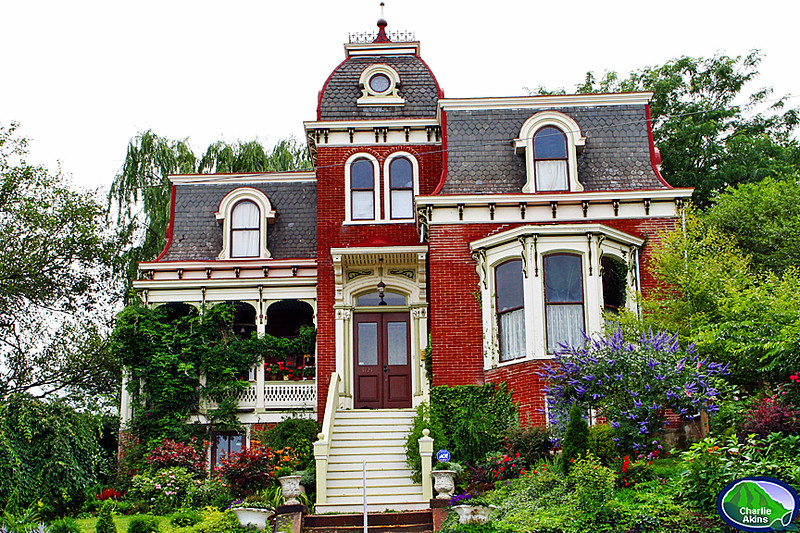 Historic home on the corner of 12th and Harrison streets