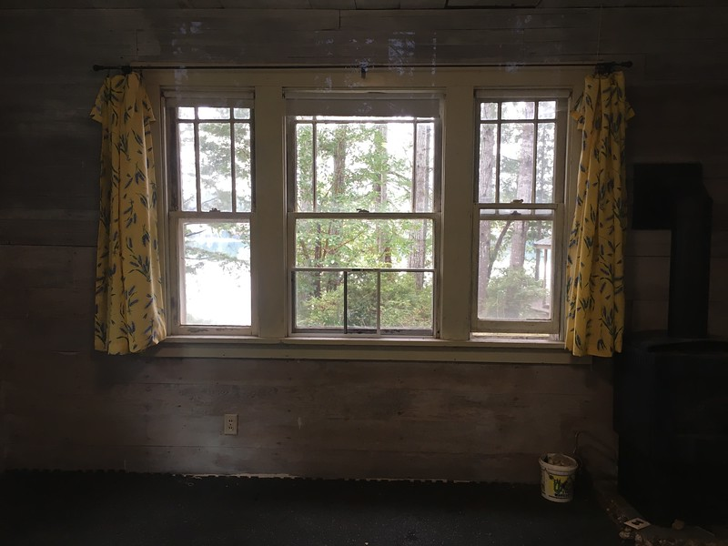 Old cabin has a gorgeous filtered low-bank view of Pickering Passage