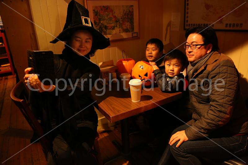 2016_Halloween_8840