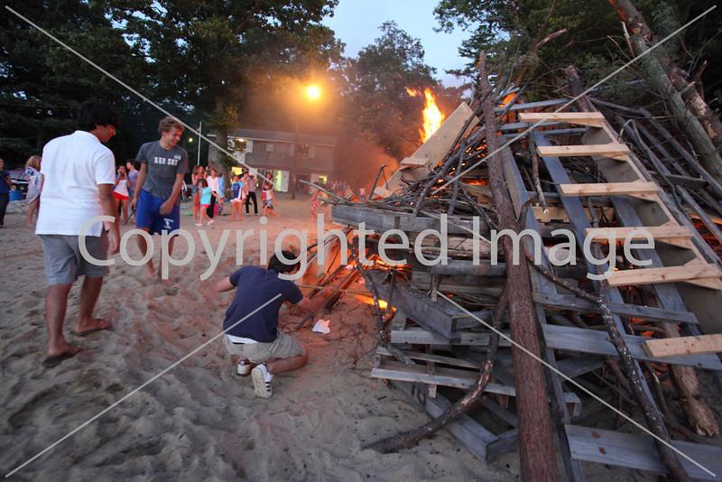2010_bonfire_7879